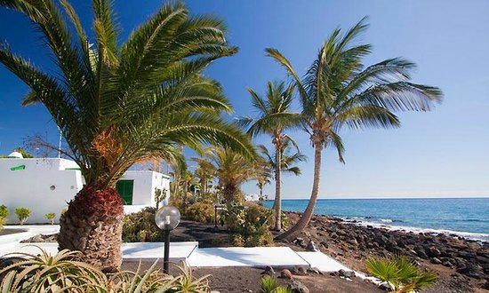 Bungalows Velazquez : View from side of accommodation on sea side
