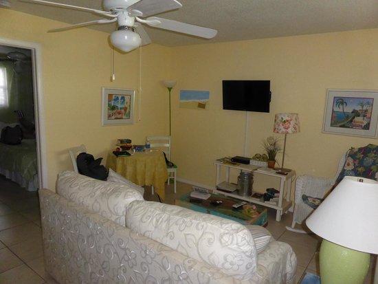 Mango Street Inn: appartment / sittingroom