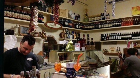 Amorino Panino E Vino: Don't miss this bar!
