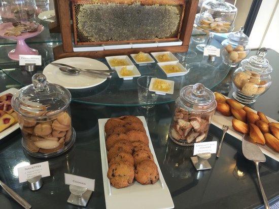 """Sofitel Marseille Vieux-Port: Même le miel est fait """" maison!"""""""