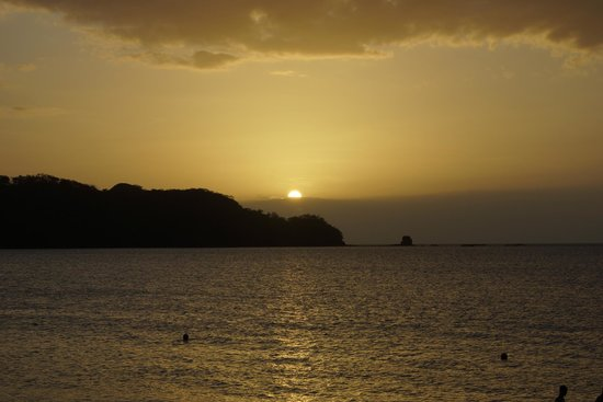 The Westin Golf Resort & Spa, Playa Conchal: Sunset from the beach