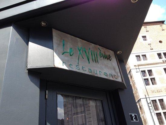 Le Dix-Huitieme: Entrance