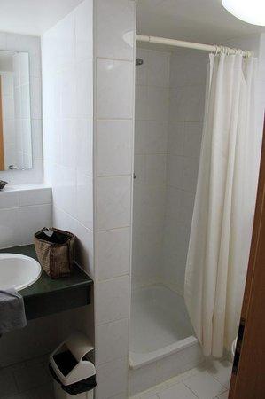 Salle de bain Shodlik Palace Mars 2014