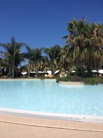 """Campofelice di Roccella, Italie : Piscine lagon """"tropicale"""""""