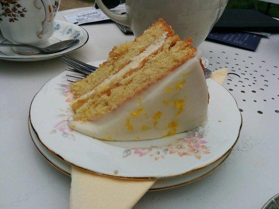 Pettigrew Tea Rooms: Amazing lemon dizzle cake :) you'll love it if you like lemon things