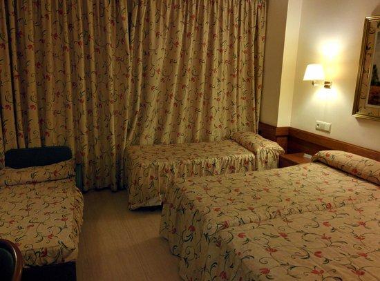 H·TOP Amaika: Room