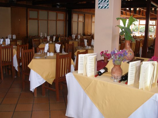 San Agustin Urubamba Hotel: A portion of the dining room