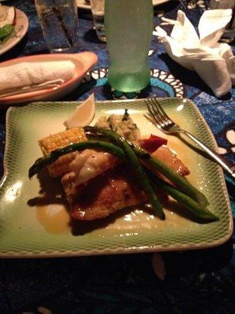 Mama's Fish House : Mahi Mahi with Lobster