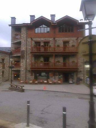 Hotel Segle XX: Entrada y terraza muy acogedora