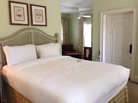 Barnsley Resort : Our cottage room