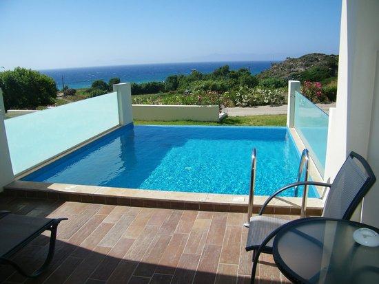 Atrium Platinum Hotel: room swimming pool