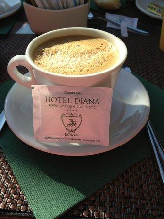 Hotel Diana Roof Garden: Le café !