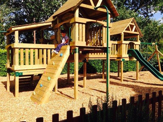 Worlds End Inn: Lovely kids play area :-)