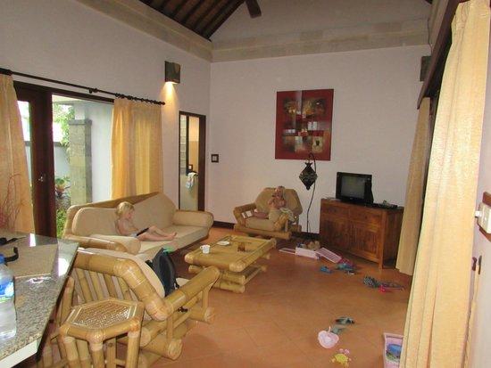 Villas Oasis: woonkamer