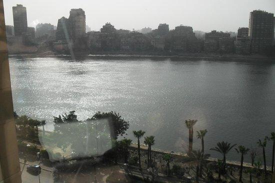 Fairmont Cairo, Nile City: Vista desde la habitación. Vista al Río Nilo