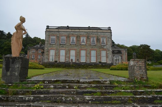 Bantry House & Garden : view of the house from the front.