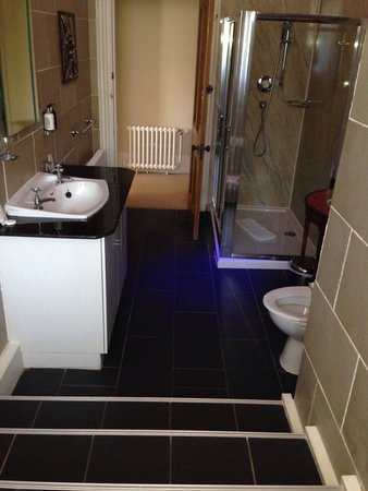 Knock Castle Hotel & Spa: Very modern & large bathroom from the bath