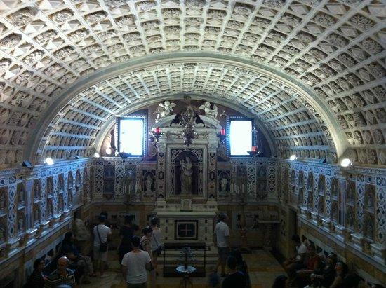 Santa Maria del Fiore: Cripta della Cattedrale di Cagliari