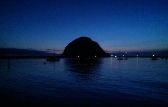 Morro Bay Sandpiper Inn: The Rock from the Embarcadero just after sunset