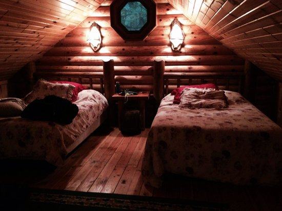 Cedar Lodge & Settlement: Cozy loft