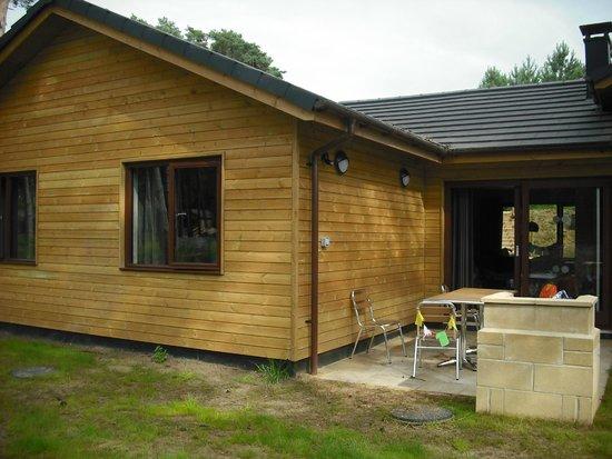 Center Parcs Woburn Forest: Back of woodland lodge
