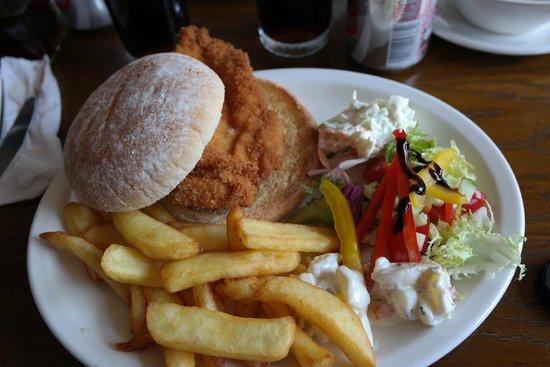 Corbie Inn: chicken burger