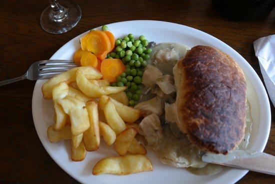 Corbie Inn: chickan and leek pie