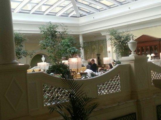 Four Seasons Hotel Lion Palace St. Petersburg: Breakfast area