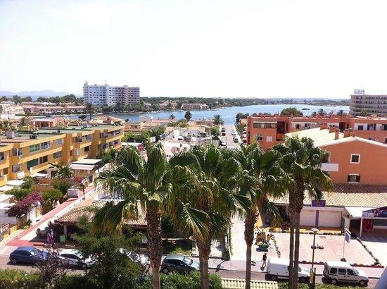 Sol de Alcudia Apartamentos: Vy från 5 våningen mot laguen