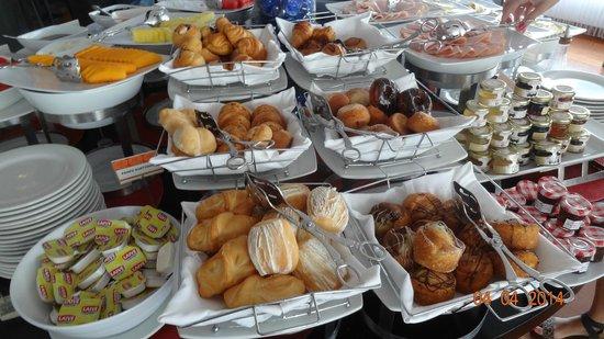 Radisson Hotel Decapolis Miraflores: Petit déjeuner , breakfast