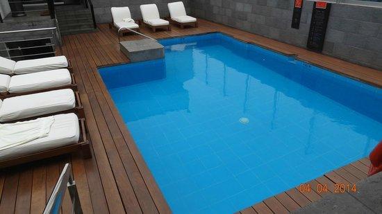 Radisson Hotel Decapolis Miraflores: piscine , swimmingpool