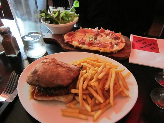 Garcon Cafe : Hamburger and Bruschetta dishes