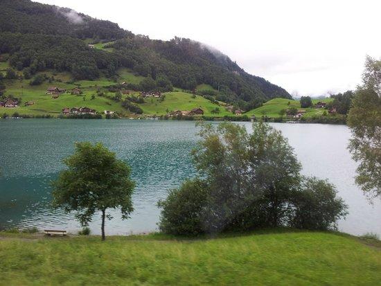 Männlichenbahn Grindelwald: Lago azul.