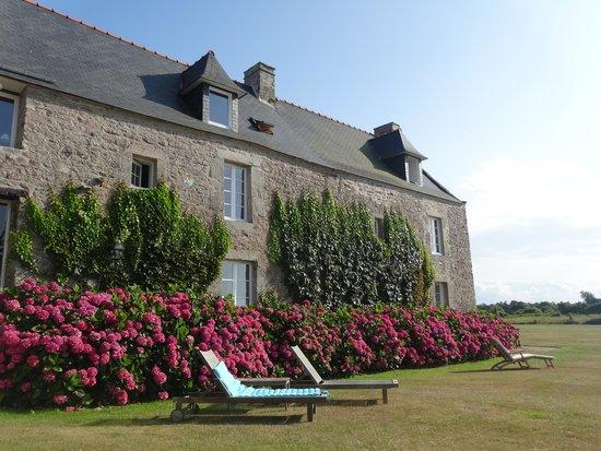 Hotel le Manoir Saint Michel : Vue arrière