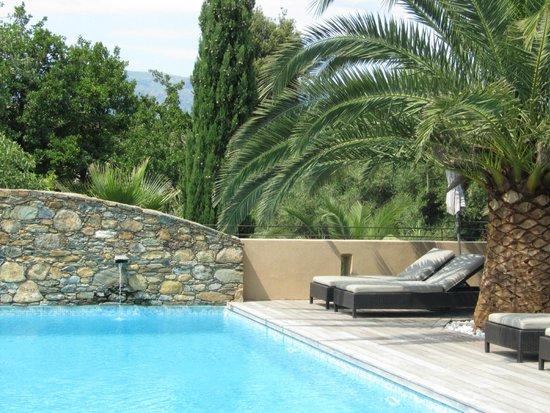 لا ديمورا: Poolbereich