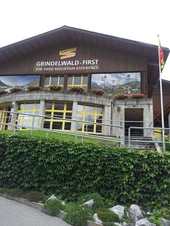 Maennlichenbahn Grindelwald : Estação do bondinho.