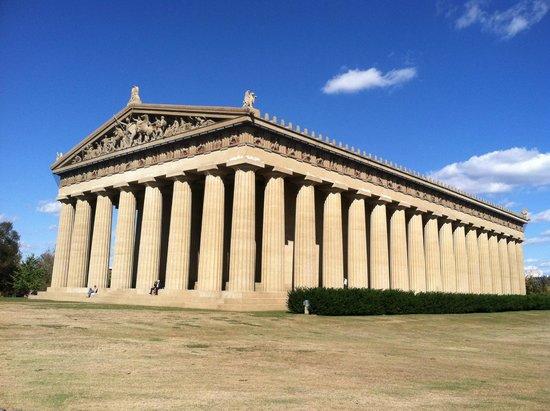 The Parthenon : Nashville Parthenon exterior