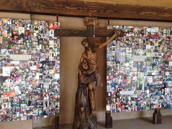El Santuario de Chimayo: Picture Prayer Wall