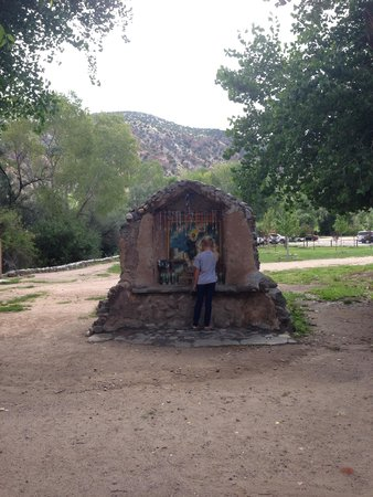 El Santuario de Chimayo: Grounds on the venue before you really get inside