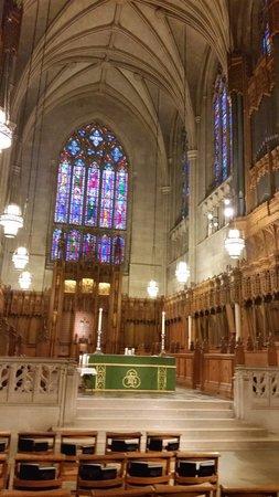 Duke University Chapel: The chapel's altar.
