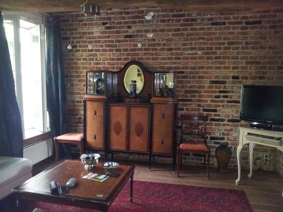 De Beek Anno 1410 Hotel: de woonkamer