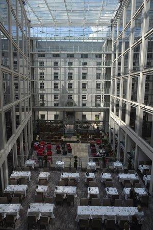 Grange St. Paul's Hotel: Airy Atrium
