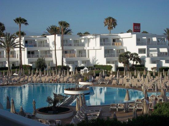 ClubHotel Riu Paraiso Lanzarote Resort : una delle piscine