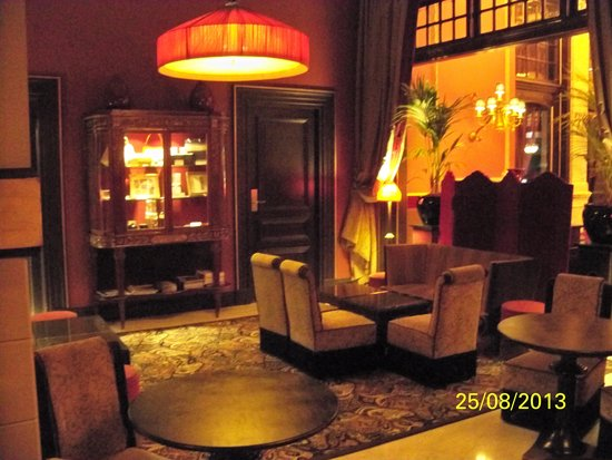 Hotel Des Indes, a Luxury Collection Hotel : The lobby