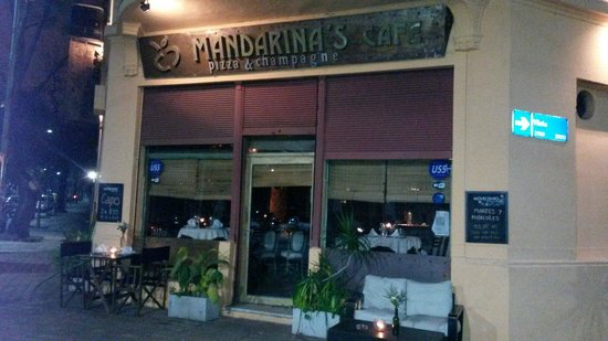‪Mandarina's Cafe Pizza y Champagne‬