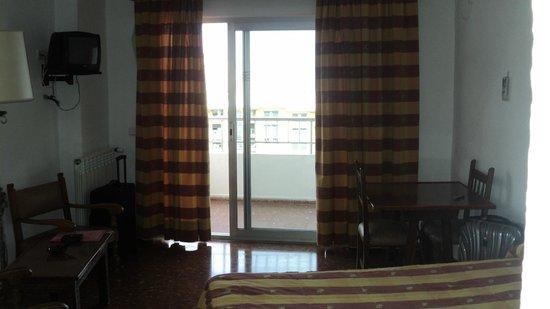 Bajondillo Apartments: Номер