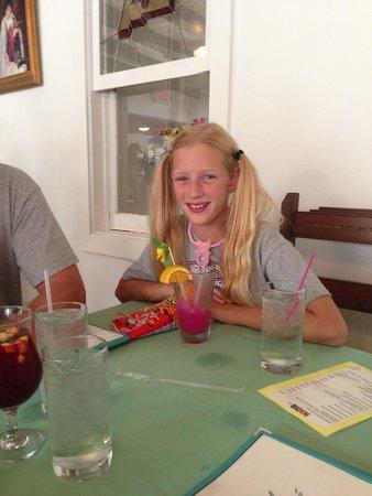 Rancho de Chimayo Restaurante: Prickly pear lemonaid drink for kids