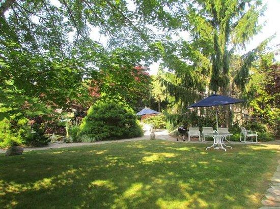 Pleasant Bay Village: Garden