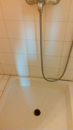 Hotel Mato : Clocked Shower