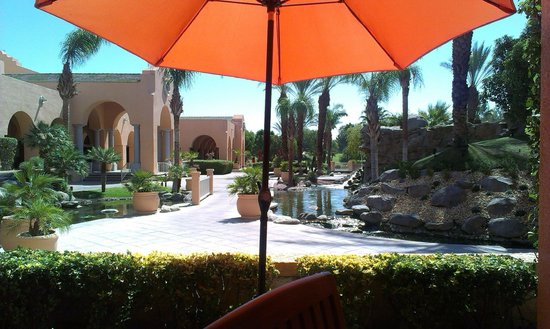 Westin Mission Hills Golf Resort & Spa: View while having food outside.